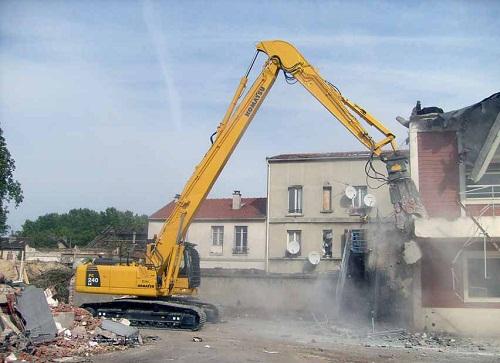 Phá dỡ công trình