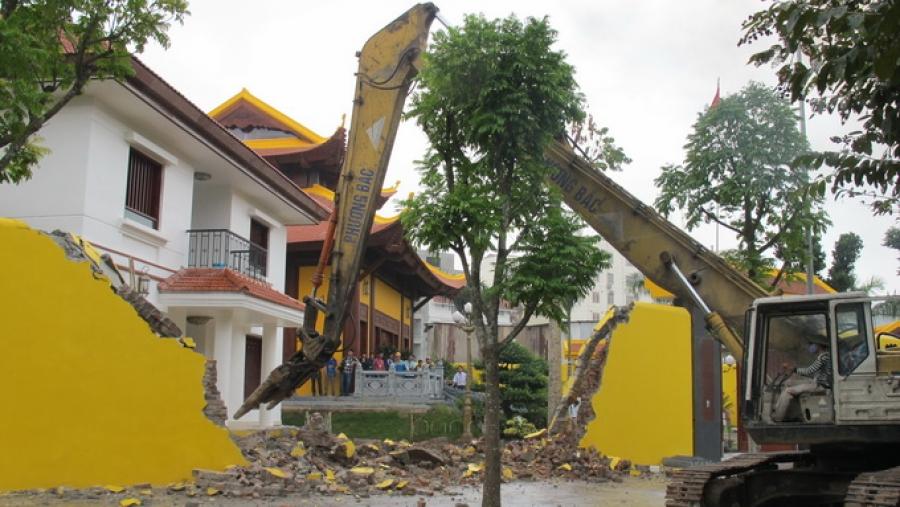 phá dỡ nhà cũ